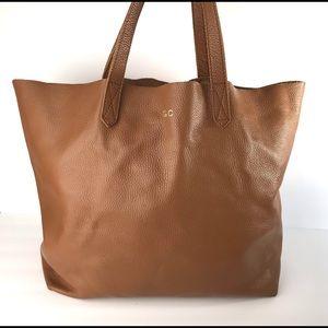 Cuyana Classic Caramel Leather Tote